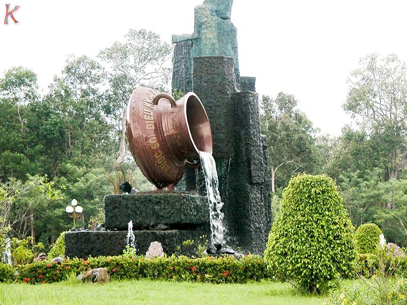 Binh-Chau-Vung-Dat-Hua